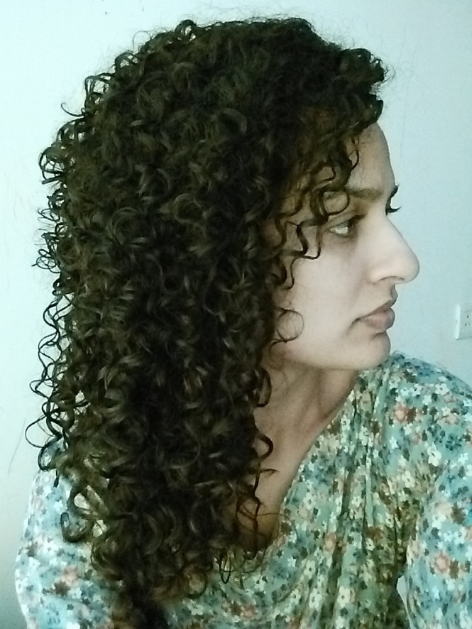 How to keep your curly hair moisturized